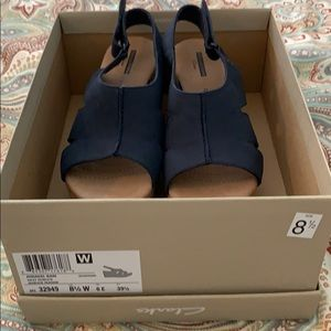 Clark's navy wedges